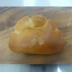 SHUNのたっぷりクリームパン